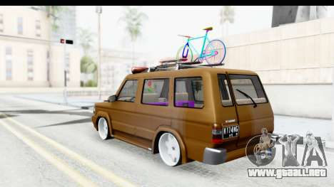 Toyota Kijang Grand Extra with Bike para GTA San Andreas vista posterior izquierda