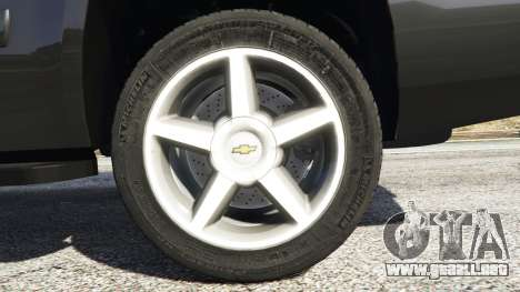 GTA 5 Chevrolet Tahoe vista lateral trasera derecha