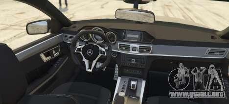 GTA 5 Mercedes-Benz E63 Brabus 850HP vista lateral izquierda trasera