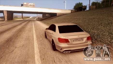 Mercedes-Benz Е63 para GTA San Andreas left