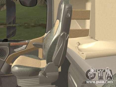 Mercedes-Benz Actros Mp4 6x2 v2.0 Steamspace v2 para GTA San Andreas interior