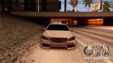 Mercedes-Benz Е63 para GTA San Andreas vista hacia atrás
