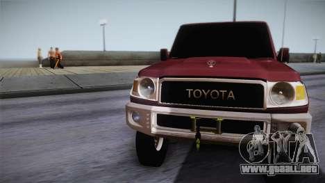 Toyota Land Cruiser 4 Puertas Original para GTA San Andreas vista posterior izquierda