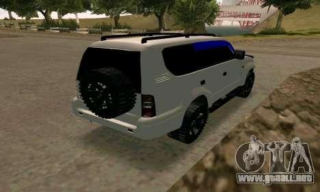 Toyota Land Cruiser 95 para GTA San Andreas vista posterior izquierda