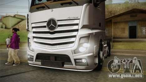 Mercedes-Benz Actros Mp4 6x2 v2.0 Bigspace v2 para GTA San Andreas vista hacia atrás