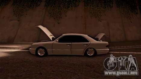 Mercedes-Benz E420 para vista inferior GTA San Andreas