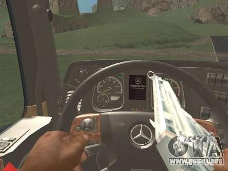 Mercedes-Benz Actros Mp4 4x2 v2.0 Bigspace v2 para GTA San Andreas vista hacia atrás