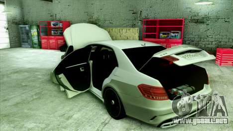 Mercedes-Benz E63 v.2 para las ruedas de GTA San Andreas