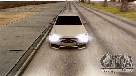 Mercedes-Benz E63 v.2 para visión interna GTA San Andreas