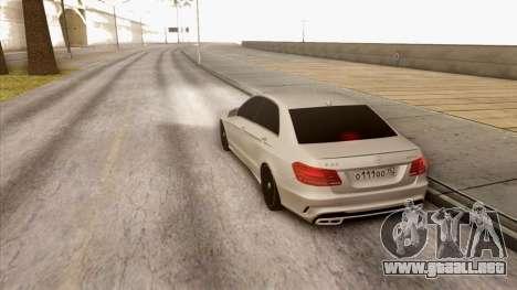 Mercedes-Benz E63 v.2 para la visión correcta GTA San Andreas