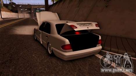 Mercedes-Benz E420 para la vista superior GTA San Andreas