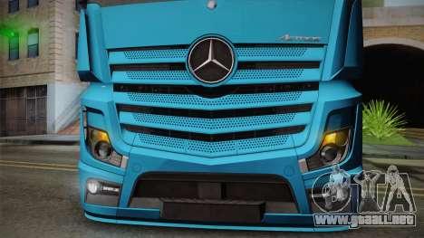 Mercedes-Benz Actros Mp4 6x2 v2.0 Gigaspace para GTA San Andreas vista hacia atrás