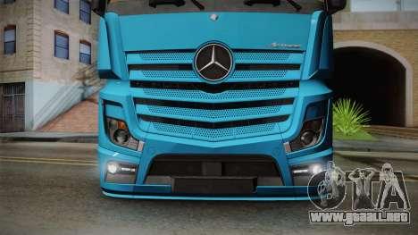 Mercedes-Benz Actros Mp4 6x2 v2.0 Gigaspace para la visión correcta GTA San Andreas