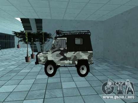 LUAZ 969М Invierno camo para GTA San Andreas left