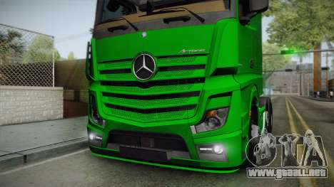 Mercedes-Benz Actros Mp4 6x2 v2.0 Bigspace para GTA San Andreas vista hacia atrás