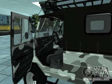 LUAZ 969М Invierno camo para la visión correcta GTA San Andreas