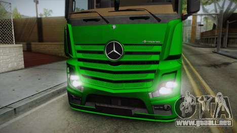 Mercedes-Benz Actros Mp4 6x2 v2.0 Bigspace para GTA San Andreas vista posterior izquierda