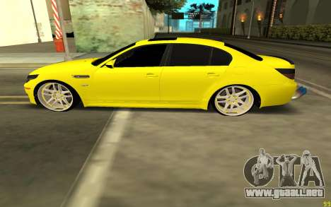 BMW 5 Series E60 para GTA San Andreas left